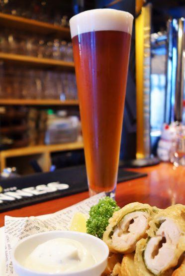 ブリマーブルーイングのペールエールは口当たりがよく、後味もマイルドな苦味。豊かな香りと味わい深さがあり、飽きのこないビールだ。