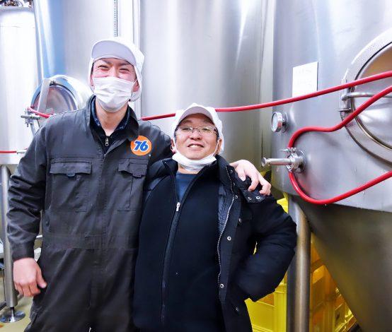 谷工場長(左)と矢野社長(右)。2人は創業当初より支え合ってビール造りに励んでいる