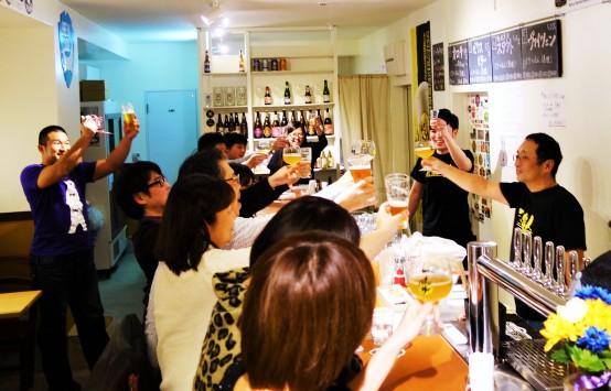矢野社長が来店し、みんなで乾杯!