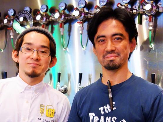 PUMPのオーナーの飯島氏(右)はとても気さくで話しやすいお人柄