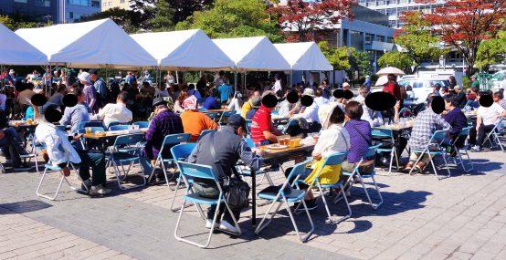 今年の会場は錦町公園。昨年の勾当台公園ではないので、ご注意を!(写真は昨年のものです)