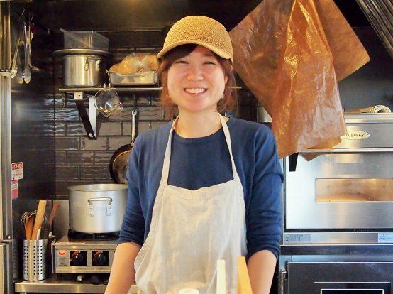 店主の小林由美さん。