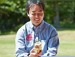 クラフトラベルシリーズを手がける新井氏。サッポロビールでただ1人のマスターブリュワーだ