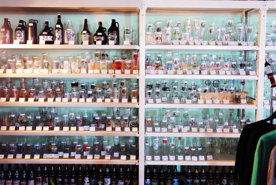 これだけのグラスの数を販売しているお店はなかなかない。グラス好きの方にも訪れてほしい場所だ