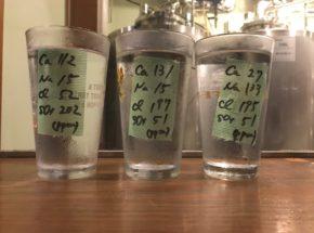 硫酸イオンと塩化物イオンは、ビールの味にどう影響するのか? CRAFT BEER BASE Brewing Lab(大阪市西区)の実験的ビールを飲み比べ
