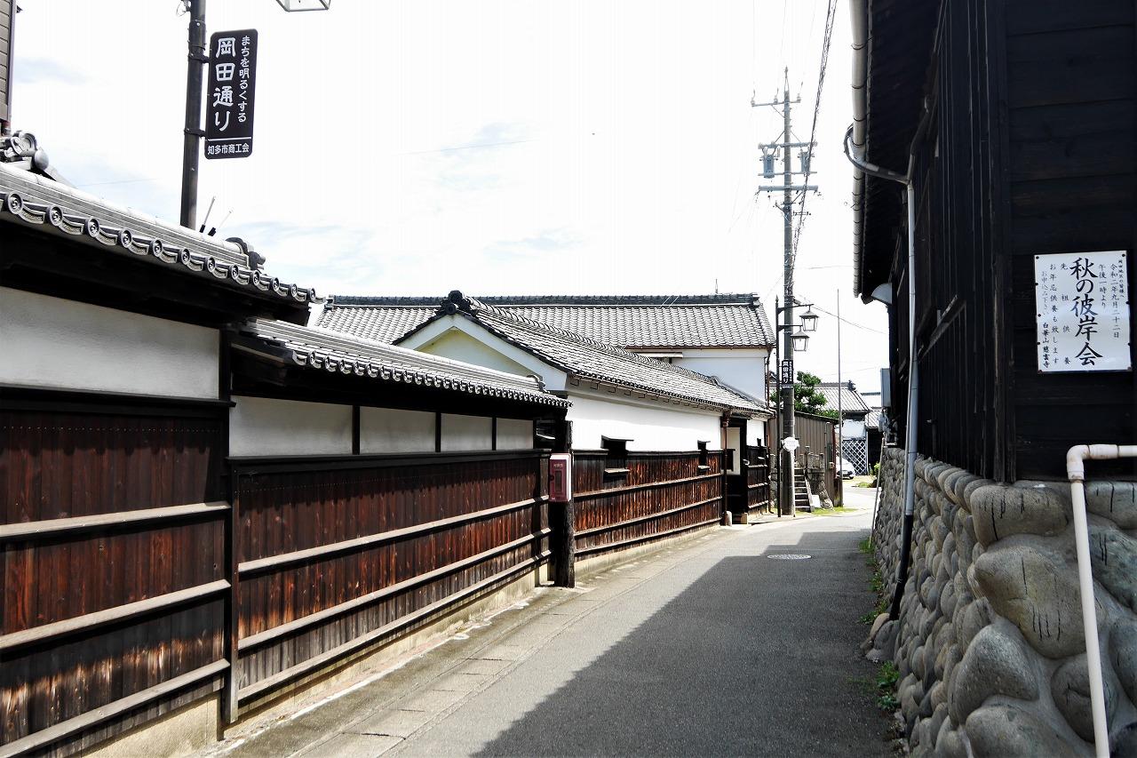 岡田の町並み