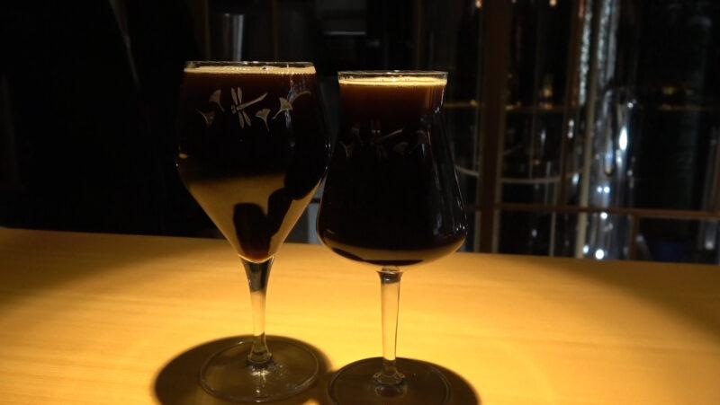 東海道BEER川崎宿工場の黒に浮かぶのグラス