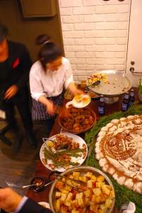 「ブルームーン」からインスピレーションを得た料理は大人気